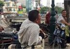 Hanoi market porters struggle to survive COVID-19 outbreak