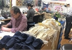 Vietnamese in Germany sew COVID-19 masks for local doctors