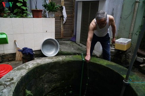 ageing underground wells in the heart of hanoi hinh 2