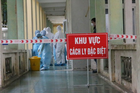 covid-19: another imported case confirmed, vietnam has 373 cases hinh 0