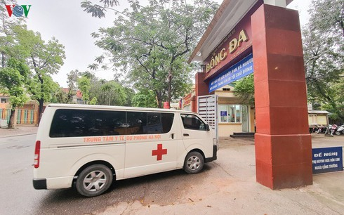 covid-19: two more cases raise vietnam's tally to 417 hinh 0