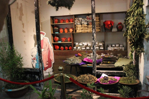 tet doan ngo, a bizarre festival through french artist's depiction hinh 2
