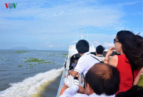 the attraction of sea tourism in vietnam hinh 1