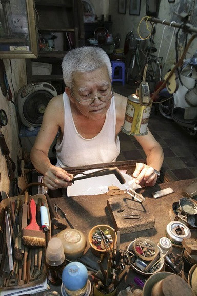 traditional crafts of hanoi's old quarter hinh 0