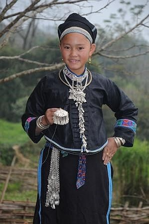 traditional clothes of the nung hinh 1