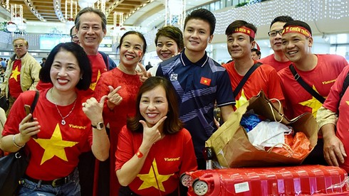 fans keen to tour thailand in support of vietnam u23 national football team hinh 0