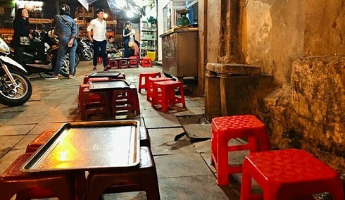 hanoi roadside beer shops desolate due to stricter penalties on drunk driving hinh 0