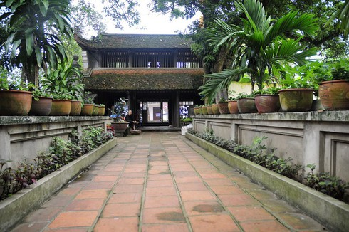 duong lam ancient village protects its tourism environment hinh 0
