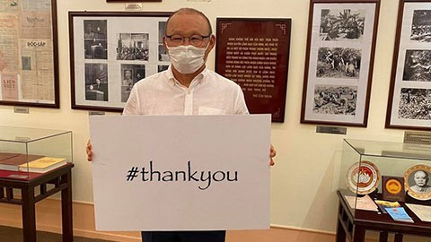 covid-19: footballers offer heartfelt messages for #thankyou campaign hinh 0