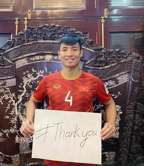 covid-19: footballers offer heartfelt messages for #thankyou campaign hinh 1