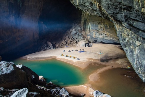 top 7 must-see natural caves in vietnam hinh 3