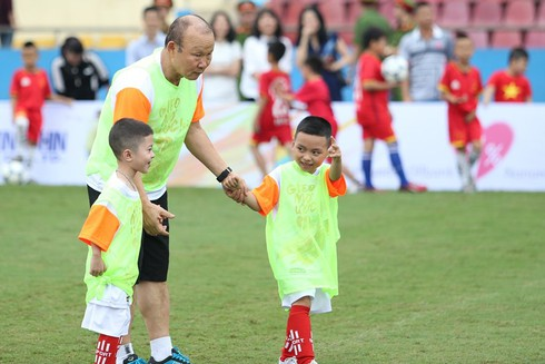 coach park hang-seo has ambitions of setting up football academy in vietnam hinh 0