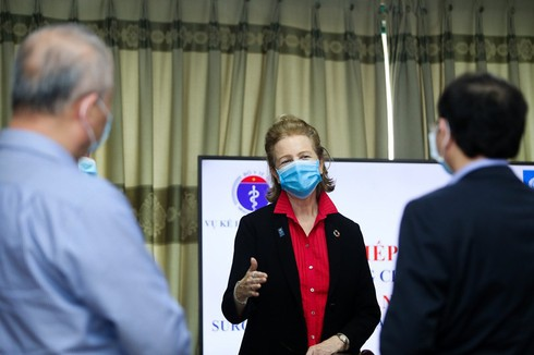 what foreign ambassadors say about vietnam's coronavirus fight? hinh 1