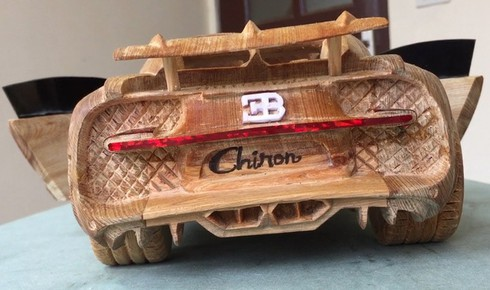 amazing vietnamese wooden car models hit foreign headlines hinh 1