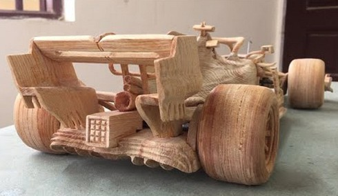 amazing vietnamese wooden car models hit foreign headlines hinh 3