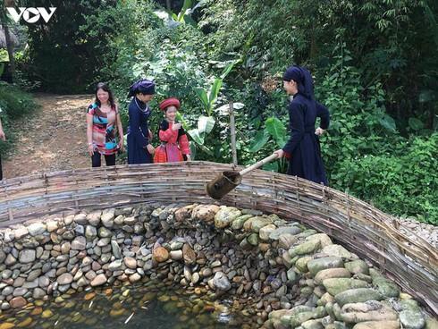 tay hamlet preserves ethnic culture hinh 1