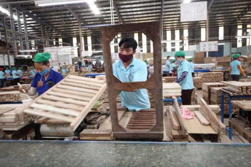 vietnam's wood exports to u.s. at risk due to trade tensions hinh 0