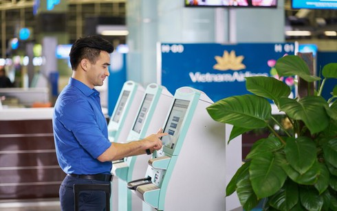 vietnam airlines deploys self-service kiosks to speed up check-in services hinh 0