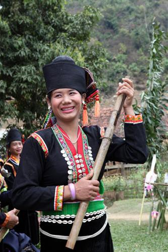 wedding and new rice ceremonies of kho mu people hinh 0