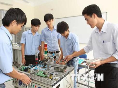 vietnam develops skilled human resources hinh 0