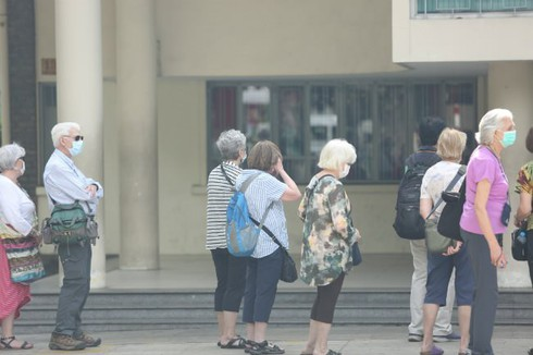 many foreigners want to remain in vietnam despite social distancing hinh 0