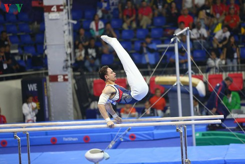 gymnasts set sights on securing additional olympic place hinh 0