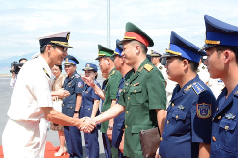 japan coast guard ship visits danang hinh 1