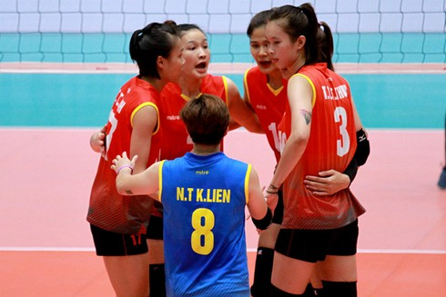 vietnamese women's team qualify for volleyball finals at sea games hinh 0