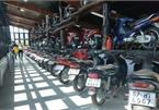 """""""Ông chủ"""" khu du lịch sưu tập hơn 500 chiếc xe máy cổ có '1 không 2', biển đẹp hàng đầu"""