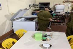 Xử phạt 7 cơ sở chế biến cháo dinh dưỡng cho trẻ em không đảm bảo vệ sinh