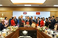 Xem xét thành lập trường phổ thông dạy chương trình Anh tại Việt Nam