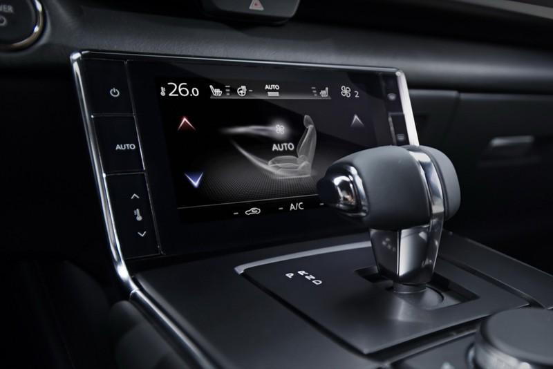 Mazda MX-30 2021 thế hệ điện đầu tiên có giá từ 915 triệu đồng - ảnh 4