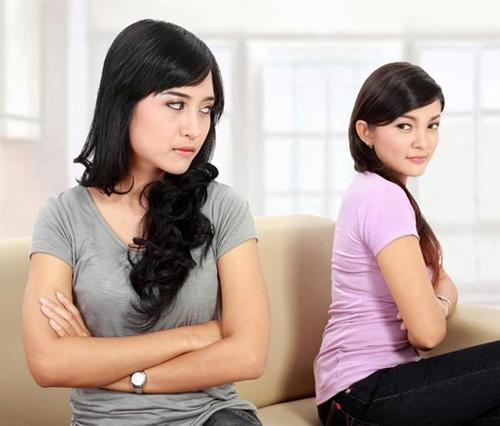 Chị em bạn dâu nếu ở chung nhà, sẽ là mối quan hệ rất khó êm ả. Ảnh minh họa