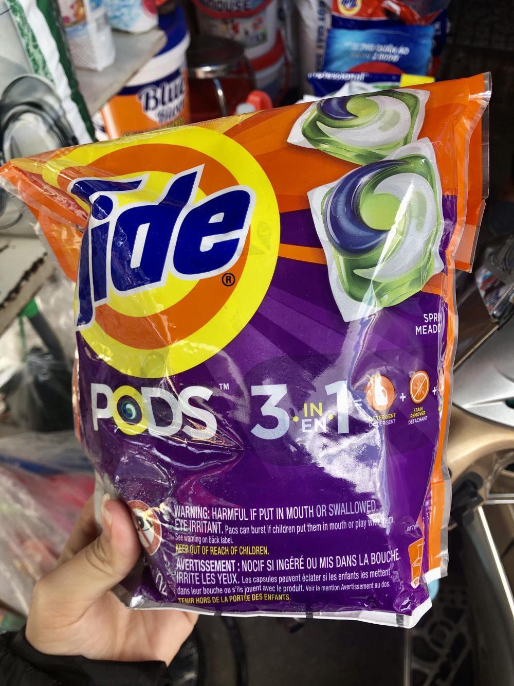 1 túi như hình có 42 gói với giá 270.000đ. Đặc biệt, viên nước giặt giới thiệu từ Mỹ cũng không hiện thông tin khi tra mã vạch.