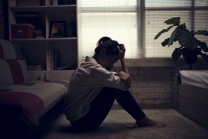 Nghĩ đến nỗi buồn của mẹ, tôi lại không đủ dũng khí để quyết định đời mình