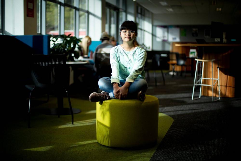 Vicky Ngo Ngoc là sinh viên bậc cử nhân nhỏ tuổi nhất tại Viện Đại học Công nghệ Auckland (New Zealand) - Ảnh: Dean Purcell