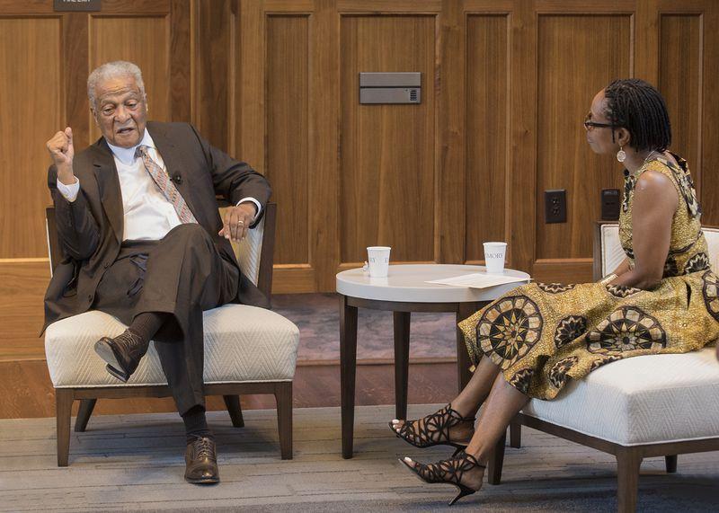 Ông Marion Hood nói chuyện tại Đại học Emory hôm 18/6 - Ảnh: Jack Kearse/Emory University