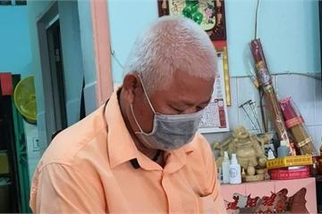 Xúc động câu chuyện ông già 70 tuổi đưa cha 90 tuổi đi khám bệnh