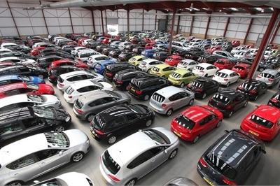 Chỉ 200 triệu vẫn lên đời ô tô