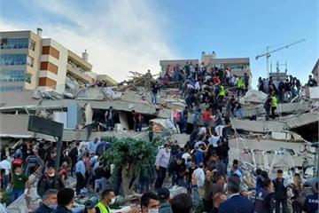 Động đất Thổ Nhĩ Kỳ-Hy Lạp, 20 tòa nhà sập, 800 thương vong