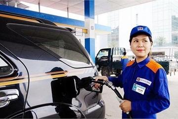 Giá xăng giảm, ô tô đổ đầy bình chưa tới 500.000 đồng
