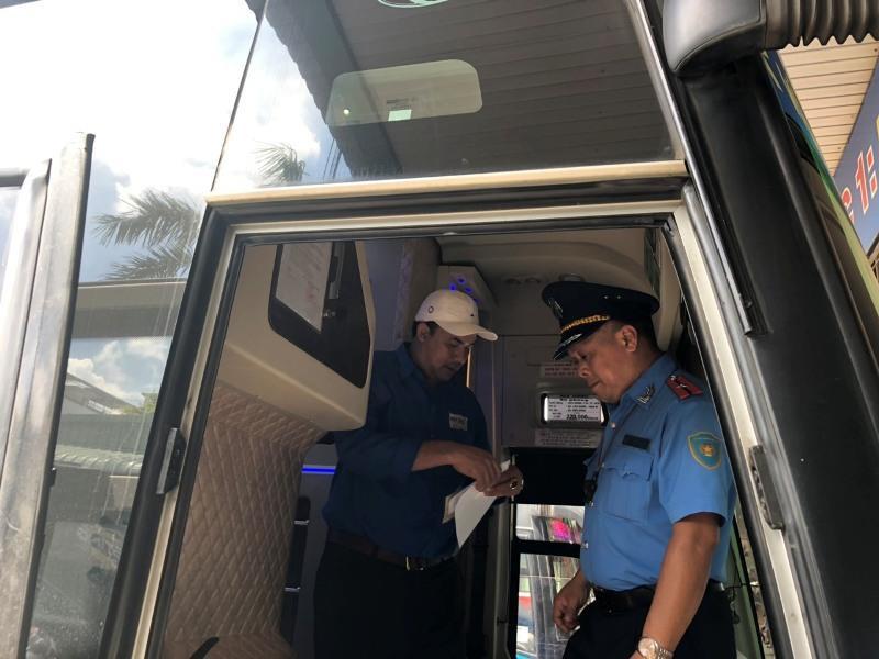 Tổng kiểm tra hoạt động tại Bến xe Miền Đông trước lễ 2-9 - ảnh 4