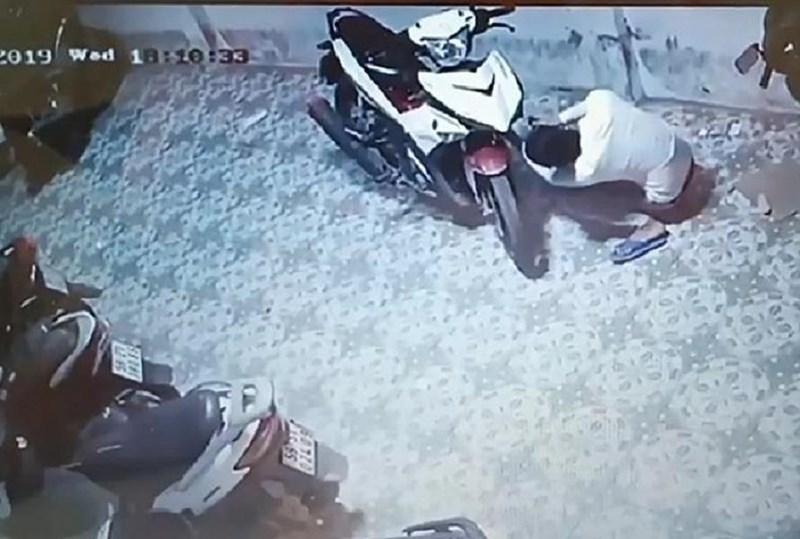 Trộm nhầm xe có gắn định vị, công an tìm đến tận nhà - ảnh 1