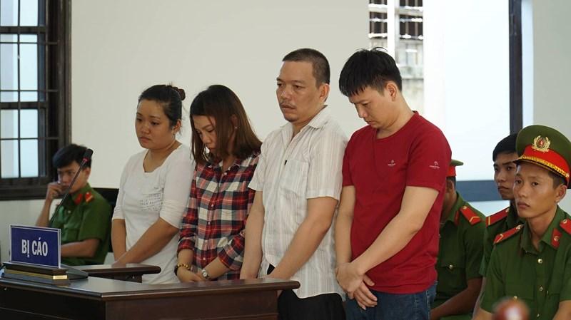 Hai nữ giáo viên bị 4 anh em lừa tiền qua Facebook, Zalo - ảnh 2