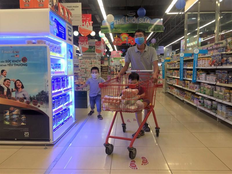 Lễ 2-9: Người dân tấp nập đi chợ mua cua, ghẹ, tôm - ảnh 10