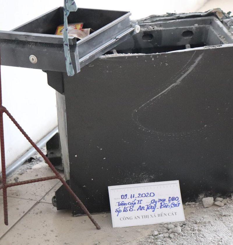 Bình Dương: 1 chuyên gia Trung Quốc trộm hàng trăm triệu đồng - ảnh 1