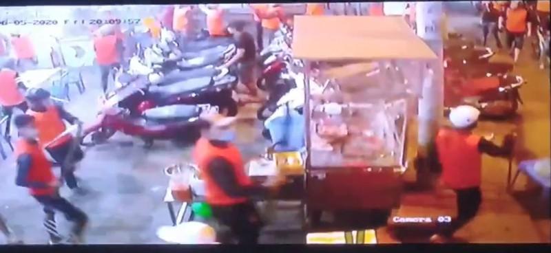Khoảng 200 người hỗn chiến như phim ở Bình Tân - ảnh 3