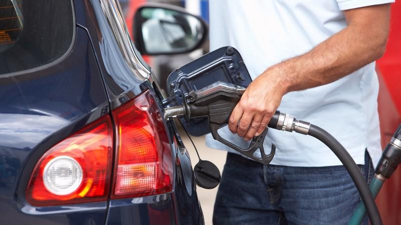 Giá xăng được xem là rẻ nhất trong 11 năm qua