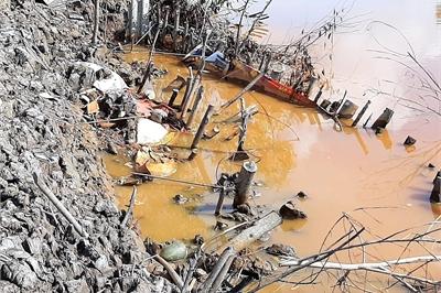 Bí thư Đảng ủy xã bị kỷ luật vì khai khai thác đất trái phép