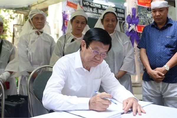 Nguyên Chủ tịch nước Trương Tấn Sang tiễn biệt Nhân sĩ Nguyễn Hữu Hạnh